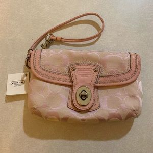 Coach Wristlet- new with tags FINAL PRICE
